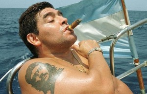 maradona_cigar_and_che_guevara_tattoo